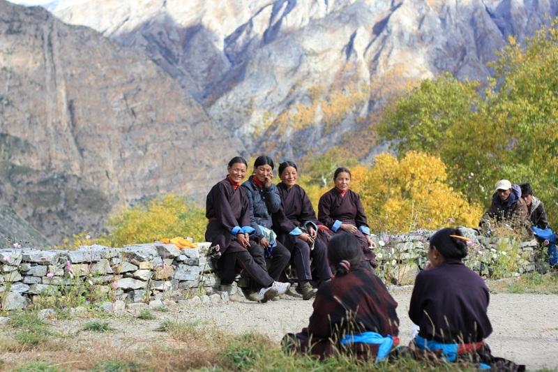 Women of Til village, awaiting the school sponsor