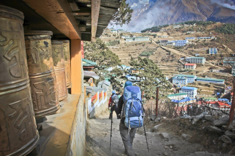 Nepal is all about high mountains, but it has also numerous trekking routes in the hilly, lush and vivid mountains at the foot of the Himalaya, where trekking from village to village is an experience of a lifetime. Greath Himalaya Low or Cultural Route.